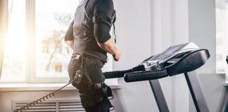 Bieganie na bieżni elektrycznej: jak ćwiczyć, żeby schudnąć?