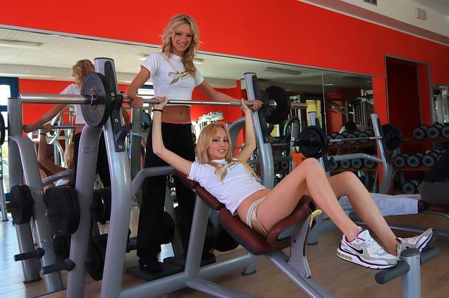 po jakim czasie widać efekty ćwiczeń na siłowni