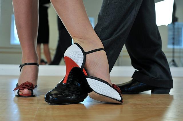 Tango argentino – dlaczego warto zdecydować się na kurs tańca argentyńskiego ze swoim partnerem?